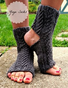 free knitted yoga sock pattern