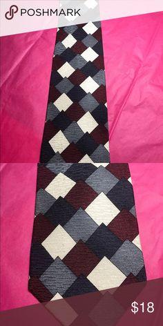 "John Clarendon Designer Men's Tie 100% Silk 👔 John Clarendon Designer Men's Tie 100% Silk 👔 Beautiful Design Gray Burgundy Cream Navy 55"" Long Excellent Condition Made in the 🇺🇸 USA John Clarendon Accessories Ties"