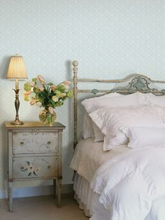 Sweet & Romantic Bedroom Colors - Blue Floral Wallpaper - Click Pic for 42 Romantic Master Bedroom Decor Ideas Shabby Chic Bedrooms, Shabby Chic Homes, Shabby Chic Decor, Rustic Decor, Cottage Style Bedrooms, Vintage Bedroom Decor, Blue Floral Wallpaper, Vintage Floral Wallpapers, Embossed Wallpaper