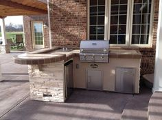 Outdoor Living, Outdoor Kitchens, Patio Ideas #LitehousePools #LitehousePoolsAndSpas #Grills #OutdoorKitchens #Summer