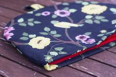 Pellavainen pannumyssy Handmade Home, Home Textile, Coin Purse, Textiles, Purses, Decor, Handbags, Decoration, Fabrics