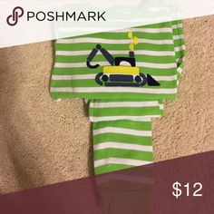 Baby Gap Lime Green Stripe Dozer PJs 5 Baby Gap Boys Lime Green Stripe Dozer PJs in Excellent Condition. 5 Baby Gap Pajamas Pajama Sets