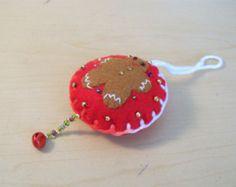Felt Christmas Ornaments Gingerbread Man Hanging Ornament, Handmade Round Felt Ornaments