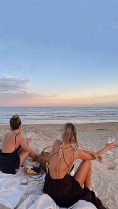 Summer Dream, Summer Girls, Friends Instagram, Best Friend Pictures, Cute Friends, Summer Aesthetic, Summer Pictures, Beach Day, Marie