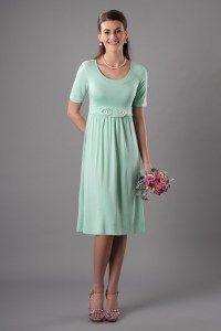 Modestos vestidos de dama de honor de: MR 9001