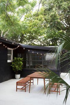 55 Ideas for backyard patio makeover outdoor tables Concrete Patios, Poured Concrete Patio, Garden Makeover, Exterior Makeover, Backyard Makeover, Outdoor Spaces, Outdoor Living, Outdoor Tables, Outdoor Patios