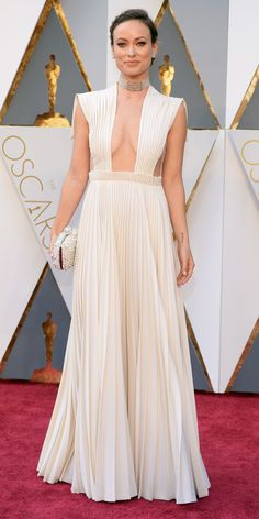 2016 Oscars Red Carpet Photos - Olivia Wilde in Valentino Haute Couture with Neil Lane jewelry and a Roger Vivier clutch