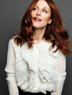 Julianne Moore, photographed by Nico Bustos for Madame Figaro France, November Julianne Moore, Corte Y Color, Teresa Palmer, Modern Haircuts, Julie, Jessica Chastain, Kate Winslet, Tips Belleza, Hollywood Actor