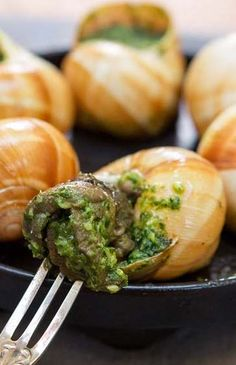 Escargot with Persillade Butter by Daniel Boulud French Dishes, French Food, Yummy Appetizers, Appetizer Recipes, Snails Recipe, Bourguignon, 5 Ingredient Recipes, French Recipes, Recipe Inspiration