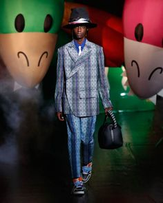 Louis Vuitton Menswear Spring/Summer 2021 Tokyo - Fashionably Male Louis Vuitton, Personal History, Heritage Brands, Tokyo, Fashion Show, Vogue, Menswear, Spring Summer, Street Style