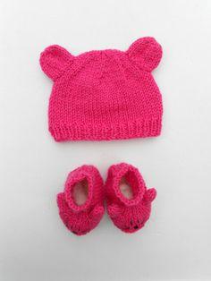 $25 Petit ourson rose fuschia #bonnet #chaussons #layette #faitmain #madeinFrance