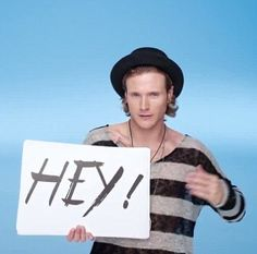 Dougie poynter looking hot in mcflys love is on the radio video :)