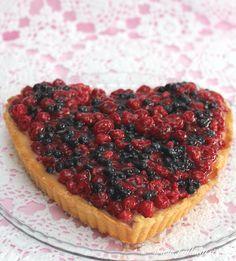 Marjapiirakka ranskankermatäytteellä - Pullahiiren leivontanurkka Cheesecake, Desserts, Food, Tailgate Desserts, Deserts, Cheese Cakes, Eten, Postres, Dessert