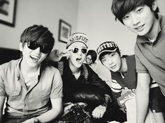 B1A4!! OMG look at CNU, so far away!! Come closer dear, let me see your pretty face :3