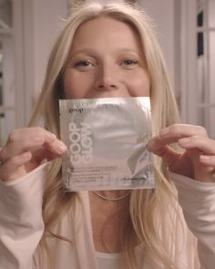 Gwyneth Paltrow's skin care must-have: the GOOPGLOW 15% glycolic acid and fruit extracts overnight glow peel.