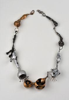 Nora Rochel, Necklace Herbalism, bronze, aluminium, 925 silver. Photo Klaus Ditté.