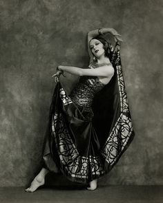 My Bohemian History Martha Graham (who studied under Ruth St. Denis) in Flamenco costume, 1924 Martha Graham, Modern Dance, Shall We Dance, Just Dance, Baile Jazz, Dance Oriental, Art Quotidien, Nickolas Muray, Flamenco Costume