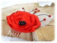 Peigne � cheveux fleur rouge et noir mariage accessoire de mari�e