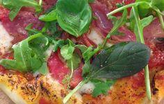 19.6.2014. Salama, Hawaiian Pizza, Caprese Salad, Vegetable Pizza, Tacos, Food And Drink, Ethnic Recipes, Sunnuntai, Food Ideas