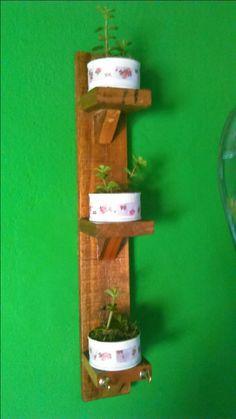 Porta macetas creaciones con palet y cajas de madera - Macetas de madera ...