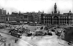 Plaza del Caudillo 1944 Valencia Spain, Plaza, Paris Skyline, Louvre, Building, Travel, Google, Flower Market, Flower Stands