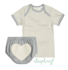 Sapling | Organic Cotton Essentials Set | #VonbonBabyGiveaway | http://blog.vonbon.ca