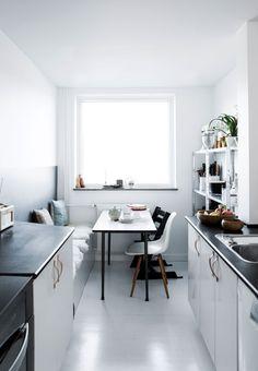 Schon Essplatz In Der Skandinavischen Küche   Schwarz Und Weiß