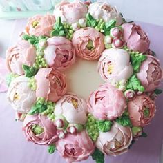. Korean Buttercream Flower, Buttercream Flowers, Buttercream Frosting, Mini Cakes, Cupcake Cakes, Cupcakes, Beautiful Cakes, Amazing Cakes, Cake Decorating Frosting