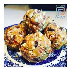 FitLondonerss Finest pic of the day : @kellybrooksyoga  Energy balls => Pre or Post workout snack full of energy  For a chance to be featured on our instagram Follow us @Fitlondoners and tag us #Fitlondoners Follow us also :  Snapchat  : Fitlondoners  Twitter : Fitlondoners  Email : social@fitlondoners.com by fitlondoners