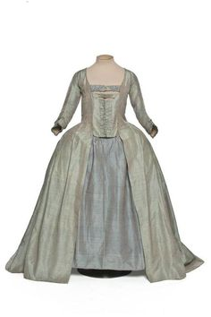 Robe à la Française 1770s Les Arts Décoratifs