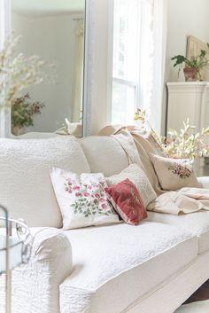 Imagem de chic, interiors, and living room