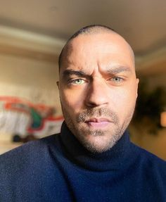 Want to know more about Jesse Williams' family? Jesse Williams Family, Jessie Williams, Gorgeous Black Men, Beautiful Men, Most Beautiful People, Pretty People, Brother Photos, Jackson Avery, Father Photo