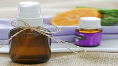 Learn how to make your own linen spray with essential oils. Freshen pillows, sheets, fabric or the room easily in any scent with just 2 main ingredients! Essential Oil Companies, Essential Oil Uses, Detox Your Home, Esential Oils, House Smell Good, Glass Spray Bottle, Linen Spray, Scented Oils, Diy Carpet