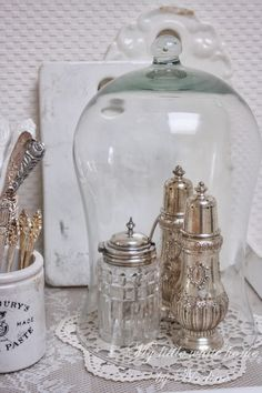 Vintage sugar casters, plus glass cloche, just lovely Glass Bell Jar, The Bell Jar, Glass Domes, Bell Jars, Vintage Silver, Antique Silver, Rose Shabby Chic, Cloche Decor, Vibeke Design