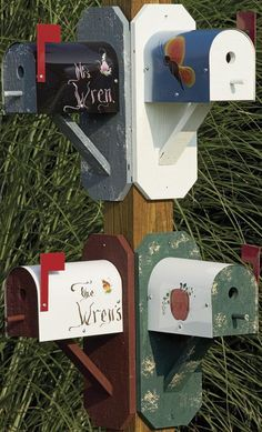 wren mailbox house. Come to think of it, an old mailbox makes a great birdhouse…