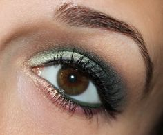 Bourjois Smoky Eyes Trio 08 vert trendy http://www.talasia.de/2014/06/25/eyes-bourjois-smoky-eyes-trio-08-vert-trendy/