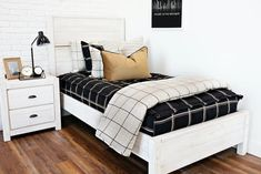 All Beddy's Sets Girls Bedroom, Bedroom Decor, Bedroom Ideas, Floral Bedroom, Beddys Bedding, Zipper Bedding, Under Bed, Ivy League