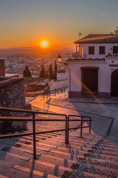 Granada, Palace, Ireland, Mansions, House Styles, Twitter, Watercolor City, Sunsets, Cities