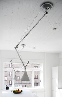 Minimalist Space ( olomeo Lights By Artemide) Flexibele lamp Interior Lighting, Modern Lighting, Lighting Design, Industrial Lighting, Lighting Ideas, Luminaire Design, Lamp Design, Large Lamps, Cool Lamps