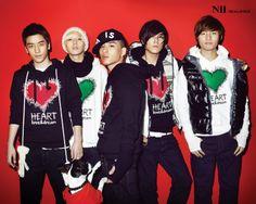 BIGBANG...they look so good when they wear cutsie things!!!