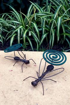 New Metal Hollow Floral Mosquito Coil Holder Case Insect Repellent Box Gadget
