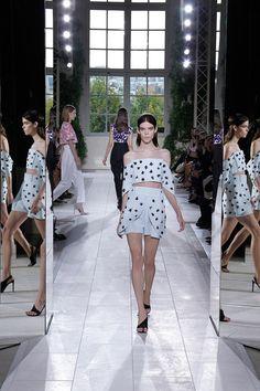 #Balenciaga #Spring2014 #Catwalk #trends #ParisFafhionWeek #Paris #SS2014  #croppedTop #topCorto #highWaist #cinturaAlta