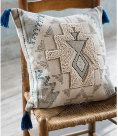 Dear Keaton's unique selection of decorative throw pillows and pillow covers feature stunning prints and textures. Shop our pillows and pillow covers now. Boho Cushions, Diy Pillows, Floor Pillows, Decorative Throw Pillows, Accent Pillows, Diy Bedroom Decor, Diy Home Decor, Bedroom Ideas, Decor Room