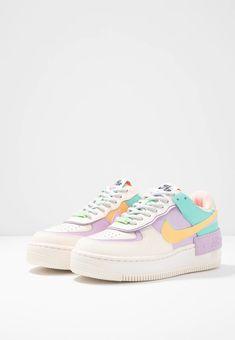 Jordan Shoes Girls, Girls Shoes, Nike Sportswear, Zapatillas Nike Air Force, Sneaker Store, Nike Shoes Air Force, Cute Nikes, Cute Sneakers, Aesthetic Shoes