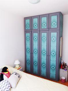 Antes e depois guarda-roupa reformado passo a passo com papel de parede - Blog Remobília - Cafofo 306