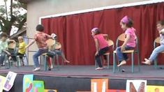 Regarder la vidéo «Maternelle : la danse des chaises» envoyée par francois24c sur Dailymotion.