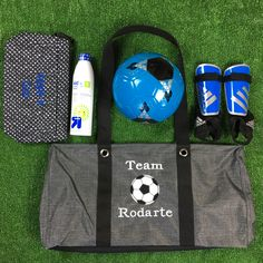 Get ready for soccer season in style with Thirty-One! You will love the Large Utility Tote for toting equipment all season long. #thirtyone #LargeUtilityTote #soccermom #soccerbag www.thebagdealer.com