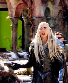 Lee Pace as Thranduil behind the scenes - When he saw this part of the set for the first time