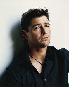 Kyle Chandler, I've loved you since Early Edition but you'll always be Coach Eric Taylor to me.