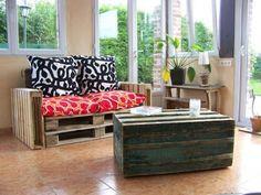 Muebles de Palets: Sofá muy fácil de hacer con palets y cojines reciclados